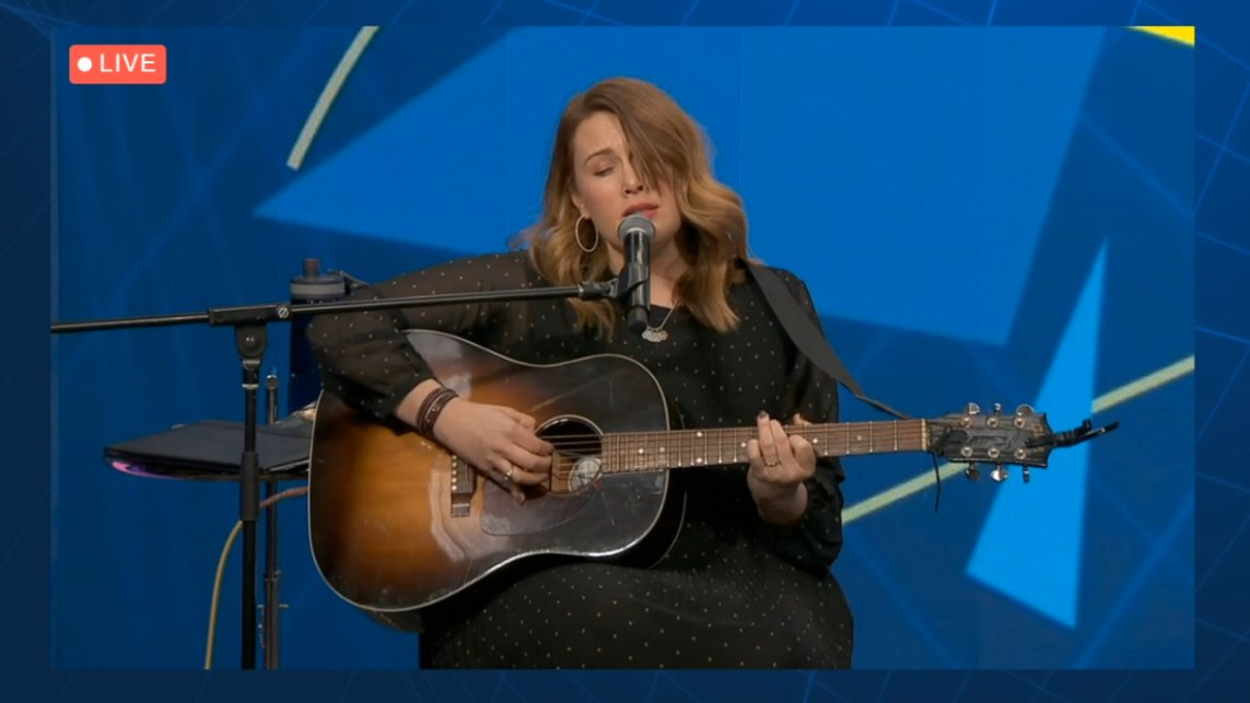 Clare Bowditch performing live